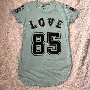 Tops - Love 85 shirt